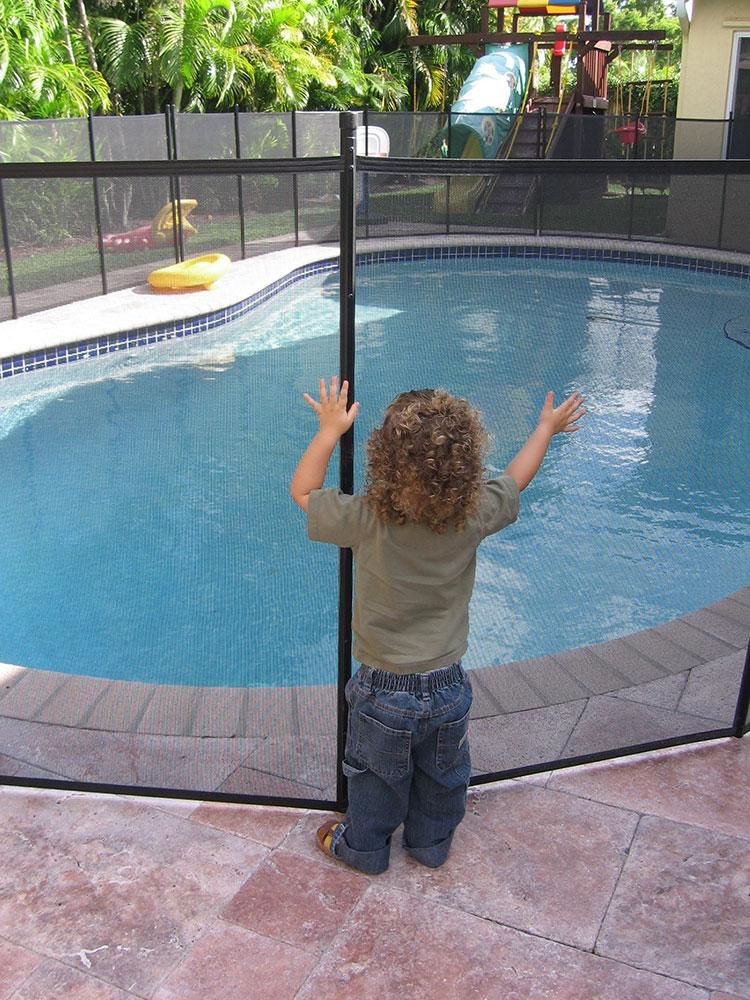 Water Warden Meshylene 4 X 12 Safety Fence For Inground