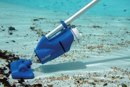 Catfish Battery Powered Swimming Pool Vacuum